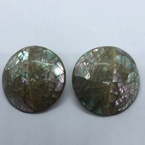 Mother of Pearl Effect Round Button Clip On